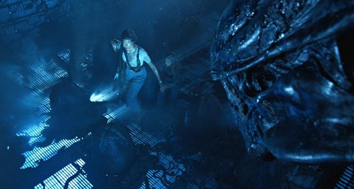 aliens-film-still-feature-700x375-1